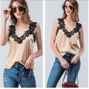 🎄NWT Trending Lace Trimmed Cami / Tank